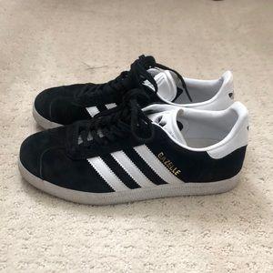 Adidas Gazelle - fits size 7-7.5 women's